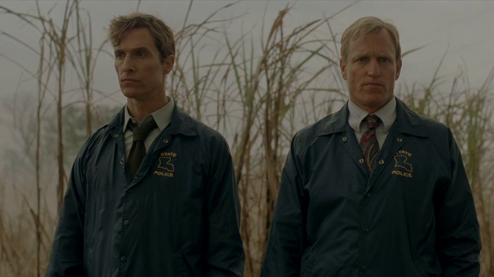 Hart and Cohle on the crime scene in True Detectives